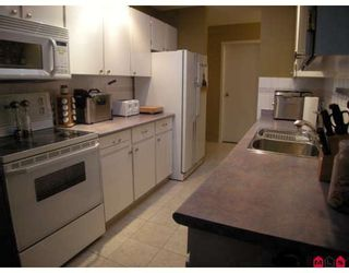 """Photo 2: 504 13501 96TH Avenue in Surrey: Whalley Condo for sale in """"PARKWOODS"""" (North Surrey)  : MLS®# F2906528"""