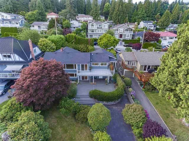 Main Photo: 1386 LAWSON Avenue in West Vancouver: Ambleside House for sale : MLS®# R2171494