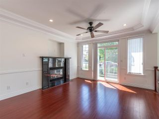 Photo 7: 10 WARWICK Avenue in Burnaby: Capitol Hill BN House for sale (Burnaby North)  : MLS®# R2603486