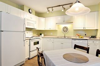 """Photo 8: 107 3176 GLADWIN Road in Abbotsford: Central Abbotsford Condo for sale in """"Regency Park"""" : MLS®# R2371135"""