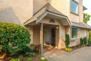 Photo 2: 105 7070 West Saanich Rd in BRENTWOOD BAY: CS Brentwood Bay Condo for sale (Central Saanich)  : MLS®# 811148