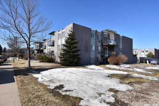 Photo 2: 38 315 East Place in Saskatoon: Eastview SA Residential for sale : MLS®# SK845736