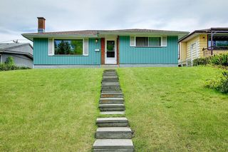 Photo 2: 1223 48 Avenue NW in Calgary: North Haven Detached for sale : MLS®# A1121377