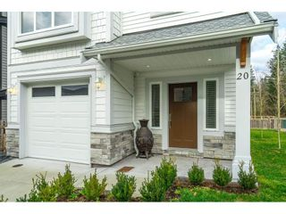 """Photo 4: 20 4295 OLD CLAYBURN Road in Abbotsford: Abbotsford East House for sale in """"SUNSPRING ESTATES"""" : MLS®# R2533947"""