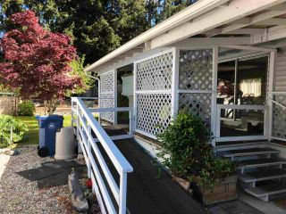 """Photo 2: 43 4116 BROWNING Road in Sechelt: Sechelt District Manufactured Home for sale in """"ROCKLAND WYND MOBILE HOME PARK"""" (Sunshine Coast)  : MLS®# R2580958"""