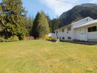 Photo 8: 59631 NASH Road in Laidlaw: Hope Laidlaw House for sale (Hope)  : MLS®# R2354766
