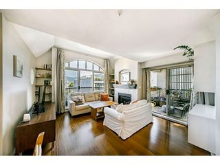 "Photo 3: 306 55 E 10TH Avenue in Vancouver: Mount Pleasant VE Condo for sale in ""Abbey Lane"" (Vancouver East)  : MLS®# R2491184"