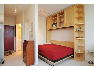 """Photo 6: 2406 1239 W GEORGIA Street in Vancouver: Coal Harbour Condo for sale in """"VENUS"""" (Vancouver West)  : MLS®# V929184"""