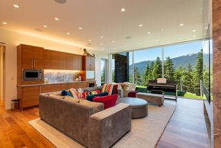 """Photo 27: 2984 TRAIL'S END Lane in Whistler: Bayshores House for sale in """"Kadenwood / Bayshores"""" : MLS®# R2619024"""