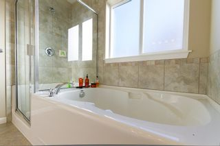 Photo 3: 18854 67A Avenue in Surrey: Clayton House for sale (Cloverdale)  : MLS®# F1227251