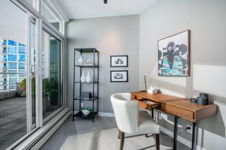 Photo 10: 1702 189 DAVIE STREET in Vancouver: Yaletown Condo for sale (Vancouver West)  : MLS®# R2504054