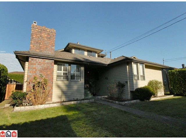 Main Photo: 13041 16TH Avenue in Surrey: Crescent Bch Ocean Pk. House for sale (South Surrey White Rock)  : MLS®# F1026894