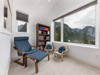 """Photo 16: 38580 HIGH CREEK Drive in Squamish: Plateau House for sale in """"Crumpit Woods"""" : MLS®# R2547060"""