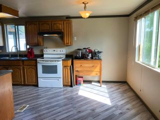 """Photo 4: 114 10221 WILSON Street in Mission: Stave Falls Manufactured Home for sale in """"Triple Creek Estates"""" : MLS®# R2502885"""