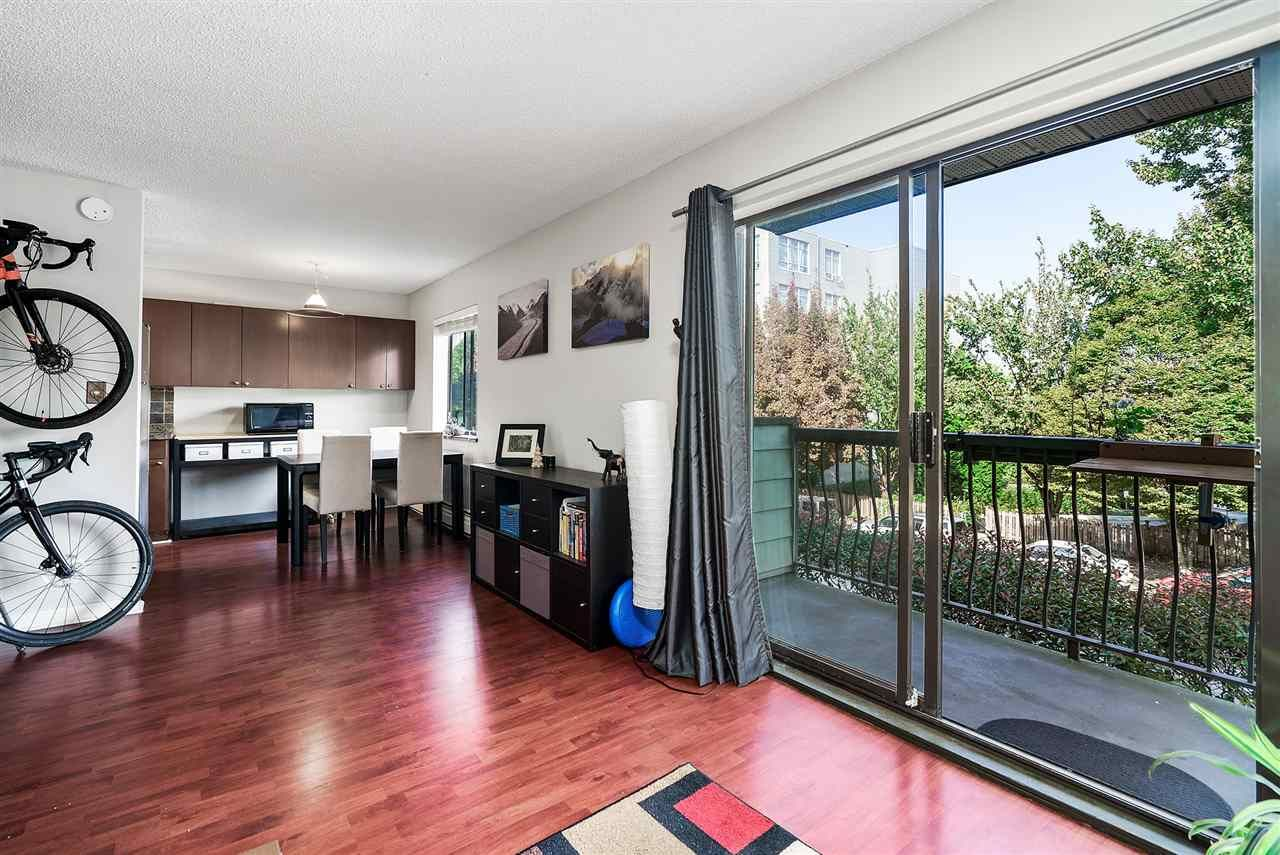 """Photo 2: Photos: 208 334 E 5TH Avenue in Vancouver: Mount Pleasant VE Condo for sale in """"View Pointe"""" (Vancouver East)  : MLS®# R2507908"""
