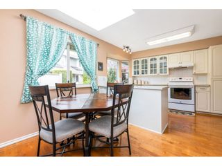 """Photo 9: 6139 W BOUNDARY Drive in Surrey: Panorama Ridge Townhouse for sale in """"LAKEWOOD GARDENS"""" : MLS®# R2452648"""