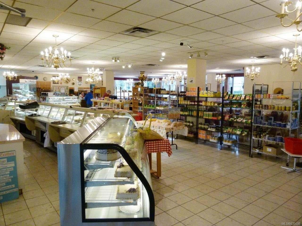 Photo 10: Photos: 2025 Bowen Rd in NANAIMO: Na Central Nanaimo Mixed Use for sale (Nanaimo)  : MLS®# 835096