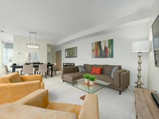"""Photo 3: 2105 989 NELSON Street in Vancouver: Downtown VW Condo for sale in """"Electra"""" (Vancouver West)  : MLS®# R2572963"""