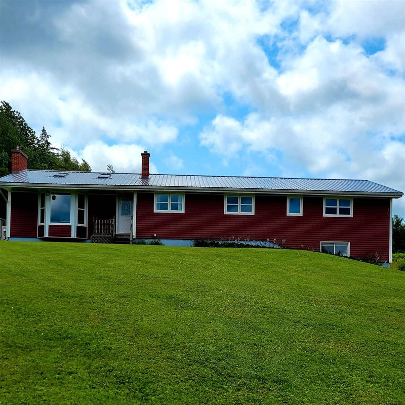 FEATURED LISTING: 2034 Balmoral Road The Falls