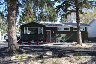 Photo 1: 670 Eastwood Street in Prince Albert: Crescent Heights Residential for sale : MLS®# SK855318