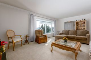 Photo 4: 4391 MAHON AVENUE in Burnaby: Deer Lake Place House for sale (Burnaby South)  : MLS®# R2429871