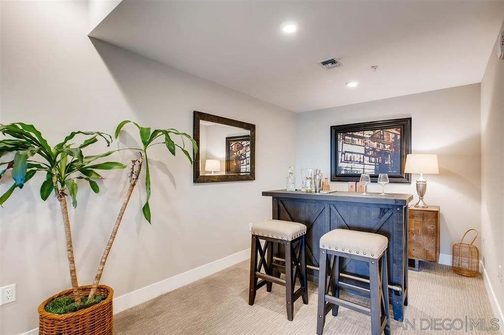 Photo 15: Photos: Condo for sale : 3 bedrooms : 3025 Byron St in San Diego