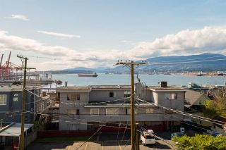 Photo 17: PH1 2245 ETON STREET in Vancouver: Hastings Condo for sale (Vancouver East)  : MLS®# R2161942