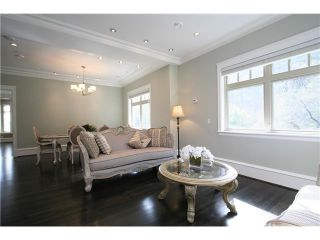 Photo 2: 4098 W 34TH Avenue in Vancouver: Dunbar House for sale (Vancouver West)  : MLS®# V958700