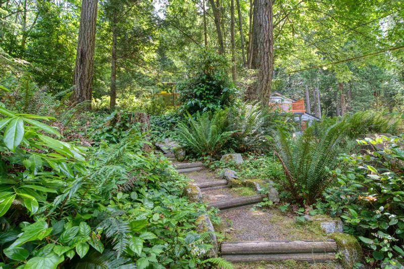FEATURED LISTING: 5741 NAYLOR Road Sechelt