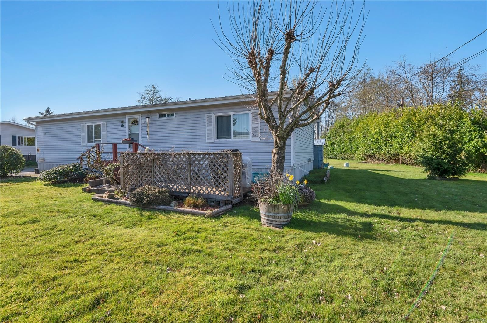 Main Photo: 17 1451 Perkins Rd in : CR Campbell River North Manufactured Home for sale (Campbell River)  : MLS®# 872756