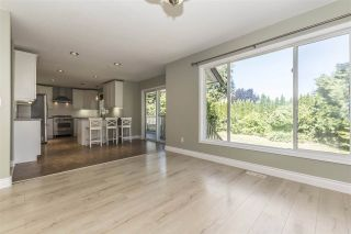 Photo 10: 511 COTTONWOOD Avenue: Harrison Hot Springs House for sale : MLS®# R2353509