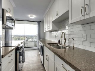"""Photo 16: 1203 2370 W 2ND Avenue in Vancouver: Kitsilano Condo for sale in """"Century House"""" (Vancouver West)  : MLS®# R2625457"""