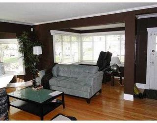 Photo 4: 145 27TH Street E in North Vancouver: Home for sale : MLS®# V895331