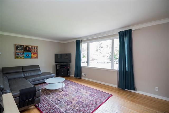 Photo 3: Photos: 171 Thompson Drive in Winnipeg: Woodhaven Residential for sale (5F)  : MLS®# 1923784