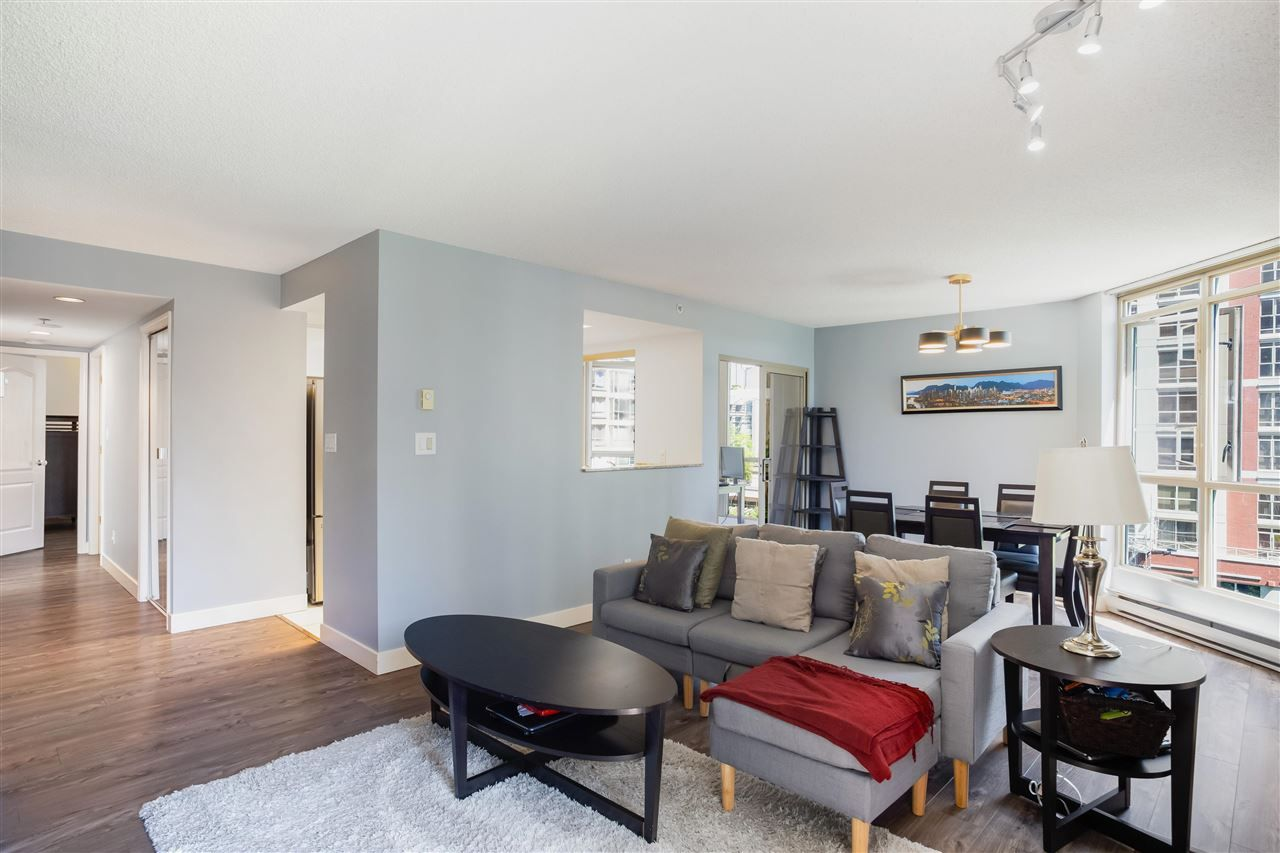 """Photo 6: Photos: 901 867 HAMILTON Street in Vancouver: Downtown VW Condo for sale in """"Jardine's Lookout"""" (Vancouver West)  : MLS®# R2588000"""