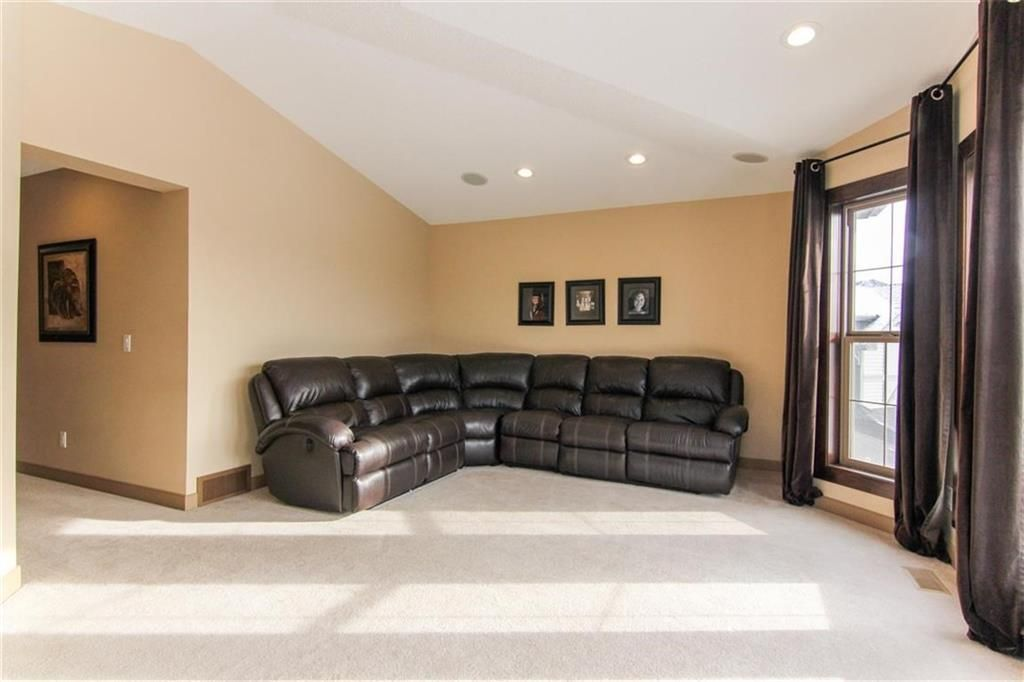 Photo 21: Photos: 21 CRANBERRY Cove SE in Calgary: Cranston House for sale : MLS®# C4164201