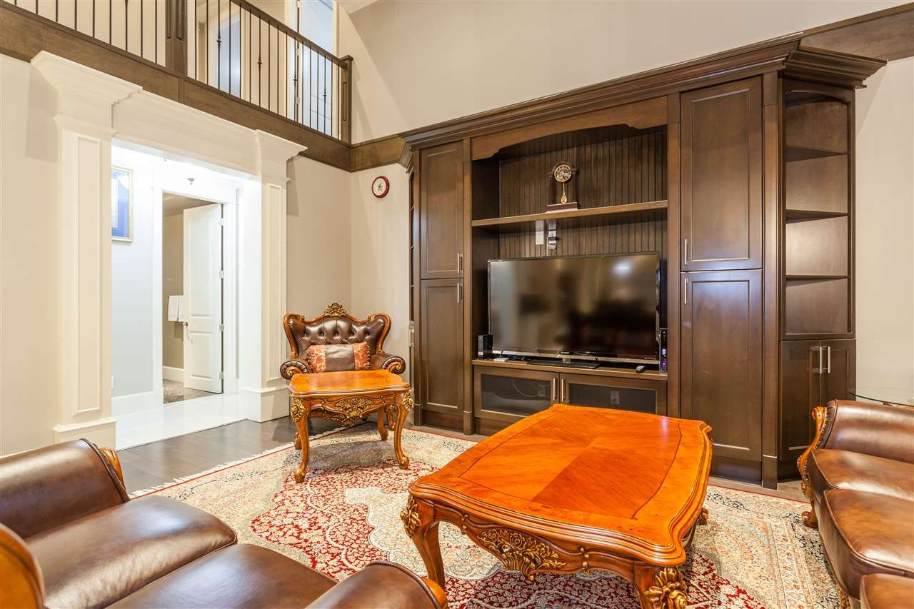 Main Photo: 11800 MELLIS Drive in Richmond: East Cambie House for sale : MLS®# R2221814
