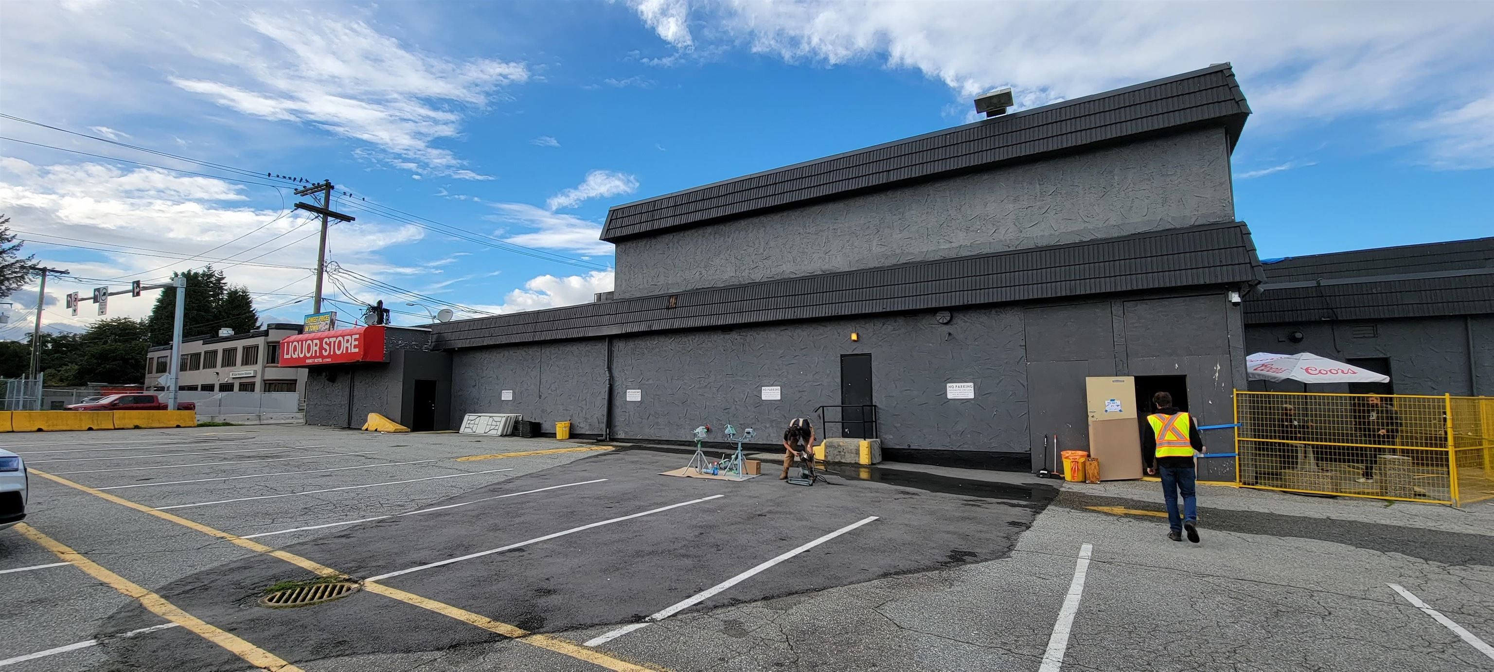 """Main Photo: 108 22222 LOUGHEED Highway in Maple Ridge: West Central Office for lease in """"HANEY MOTOR HOTEL"""" : MLS®# C8040674"""