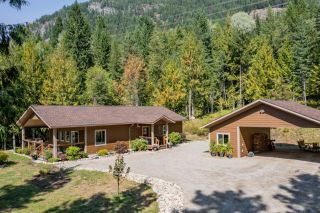Photo 2: 2948 UPPER SLOCAN PARK ROAD in Slocan Park: House for sale : MLS®# 2460596