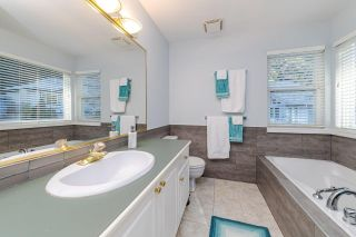 Photo 13: 1400 RIVERSIDE Drive in North Vancouver: Seymour NV House for sale : MLS®# R2422659