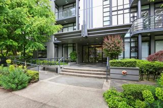 Photo 1: 201 2828 YEW Street in Vancouver: Kitsilano Condo for sale (Vancouver West)  : MLS®# R2587045