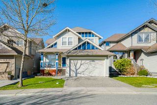 """Photo 1: 6955 196A Street in Langley: Willoughby Heights House for sale in """"Camden Park"""" : MLS®# R2446076"""