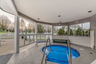 """Photo 4: 11 21138 88 Avenue in Langley: Walnut Grove Townhouse for sale in """"SPENCER GREEN"""" : MLS®# R2237457"""