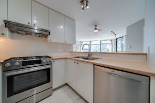 """Photo 13: 702 4567 HAZEL Street in Burnaby: Forest Glen BS Condo for sale in """"THE MONARCH"""" (Burnaby South)  : MLS®# R2613040"""