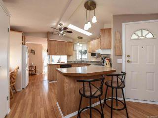 Photo 11: 18 1240 WILKINSON ROAD in COMOX: CV Comox Peninsula Manufactured Home for sale (Comox Valley)  : MLS®# 780089