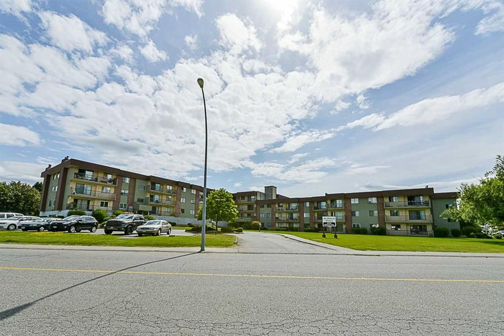 Main Photo: 322 45598 McIntosh Drive in Chilliwack: Chilliwack W Young-Well Condo for sale : MLS®# R2273089