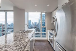 Photo 9: 1906 918 Cooperage Way in Vancouver: Yaletown Condo for sale (Vancouver West)  : MLS®# R2539627