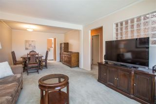 Photo 3: 4920 MARIPOSA Court in Richmond: Riverdale RI 1/2 Duplex for sale : MLS®# R2368208