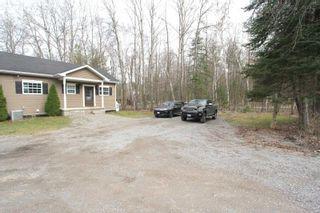 Photo 3: 7222 Highway 35 Road in Kawartha Lakes: Rural Laxton House (Bungalow-Raised) for sale : MLS®# X5200044