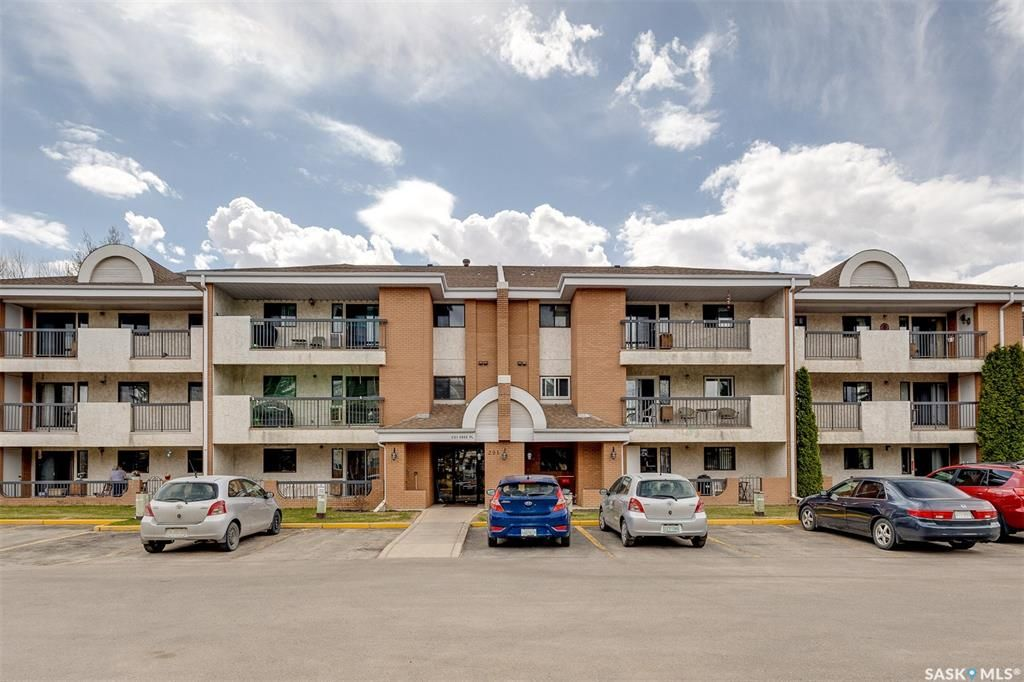 Main Photo: 308 201 CREE Place in Saskatoon: Lawson Heights Residential for sale : MLS®# SK854990